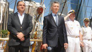 Macri y el ministro de Defensa Martínez