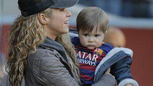 Misterio. Shakira y su hijo Sasha. No se sabe qué dolencia aqueja al niño.