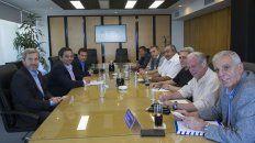 Los ministros de Trabajo, Jorge Triaca, y del Interior, Rogelio Frigerio, se reunieron con representantes de la CGT.