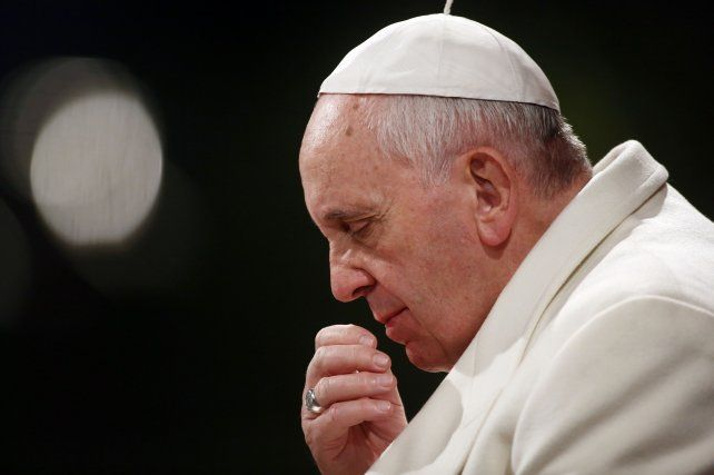 Francisco lamentó el grave atentado y pidió afrontar la plaga del terrorismo