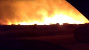 Seis focos de incendio siguen activos en La Pampa y ya se quemaron más de 300 mil hectáreas.