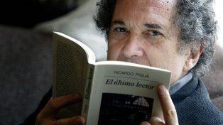 El escritor argentino Ricardo Piglia murió hoy en la ciudad de Buenos Aires. Tenía a los 75 años.