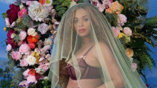 Beyoncé dio la buena noticia de que está esperando gemelos en Instagram.