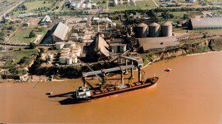 Hubo un segundo derrame en las aguas del río Paraná