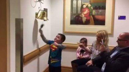 Jimmy festeja junto a su familia el final feliz de su historia.