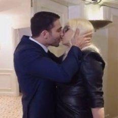 El beso entre Susana Giménez y Miguel Ángel Silvestre se volvió viral en las redes.