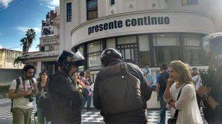 Los policías irrumpieron sin permiso