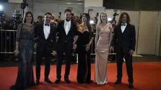 La alfombra roja de la boda de Messi se iluminó con las estrellas del fútbol internacional