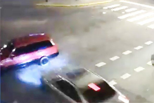 Picada mortal: el video del terrible choque en Rosario