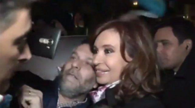 Cristina Kirchner llegó al centro de campaña de Unidad Ciudadana