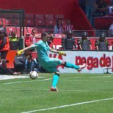 El blooper de Barovero, lo más comentado en el fútbol de Mexico