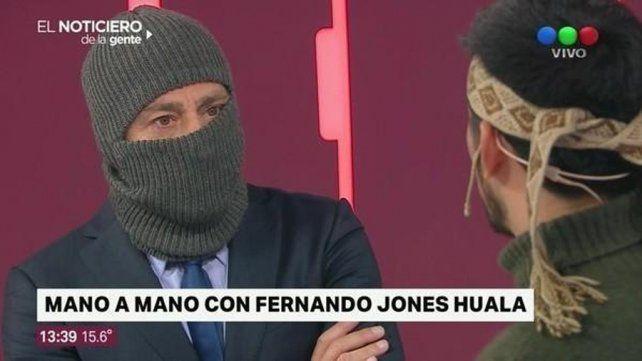 La entrevista. Nicolás Repetto se encapuchó frente a Fernando Jones Huala.