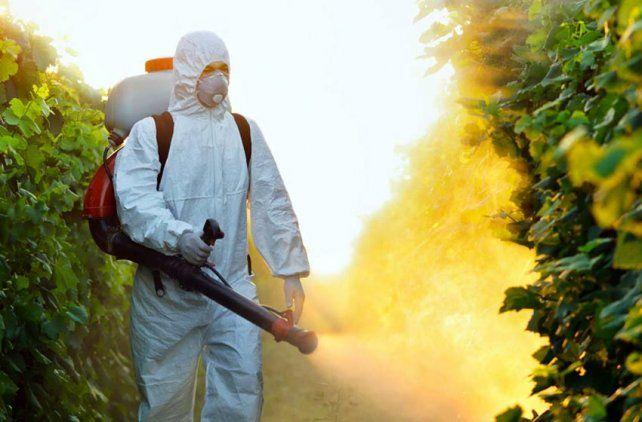 Rosario prohibió el uso del herbicida glifosato y abrió la polémica en el país