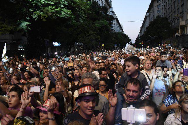 Los Palmeras convocaron a una multitud en el Obelisco