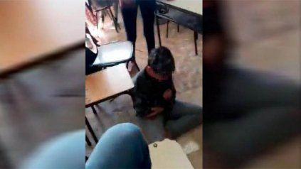 Un video muestra como un chico de 12 años es víctima de bullying