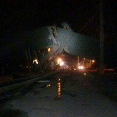 El barco impactó contra un muelle de Terminal 6.
