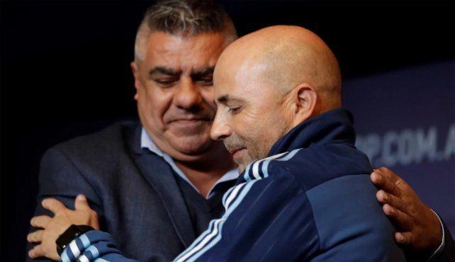 Respaldo. Tapia bancó a Sampaoli de cara al Mundial y dijo cuál es el objetivo de Argentina.