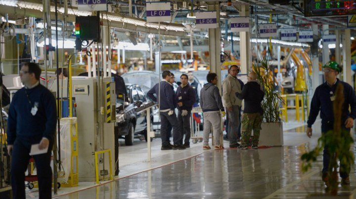 General Motors suspende a todo el personal