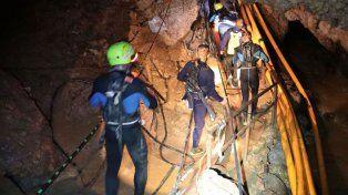 Las autoridades esperaban poder completar hoy mismo el rescate.