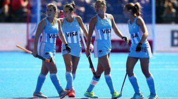 Buscan respuestas. Julia Gomes (debutante) junto a Martina Cavallero, Delfina Merino y Florencia Habif, las experimentadas que ya estuvieron en el Mundial de 2014.