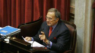 Carlos Reutemann ratificó que votará en contra de la legalización del aborto