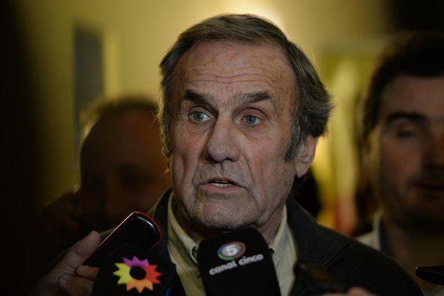 El exgobernador de la provincia y actual senador votará en contra de la despenalización del Aborto.