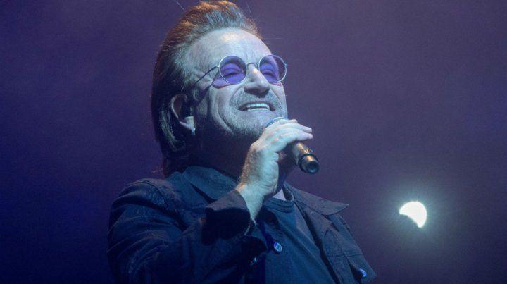 Bono perdió la voz en pleno concierto de U2 en Berlín