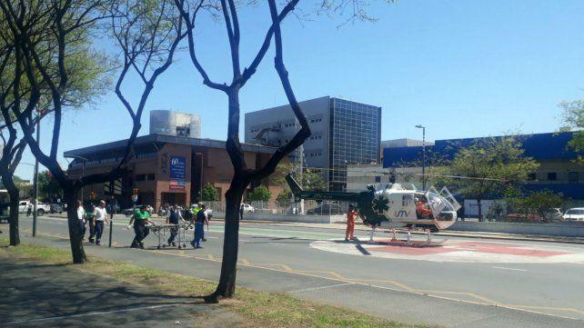 El helicópero sanitario aterrizó sobre Pellegrini.