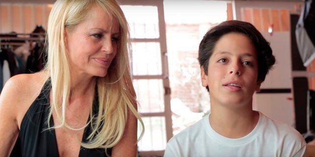 Máximo con su mamá