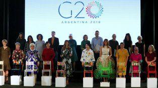 Las primeras damas recibieron obras de artistas argentinos en su visita al Malba