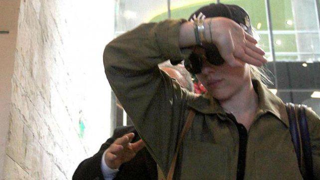Insultos y gritos de Scarlett Johansson en Aeroparque