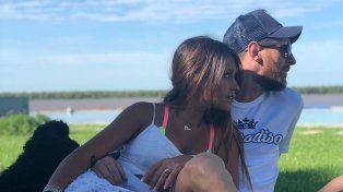 Messi disfruta sus vacaciones y del sol de Arroyo Seco junto a Antonella