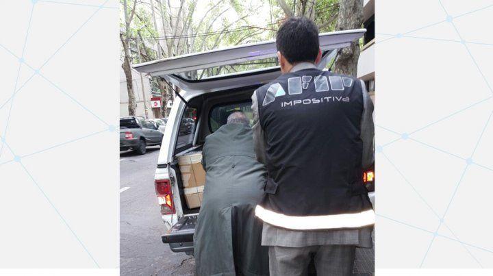Detuvieron a un piloto de autos por evadir 800 millones de pesos con facturas truchas