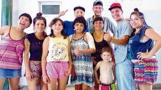 Con los suyos. Bernarda (centro) estuvo internada desde el 22 de noviembre