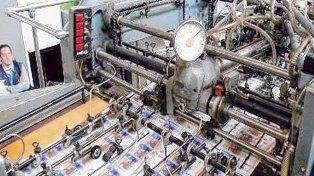 A full. El director de Econométrica dijo que la emisión de moneda es el único factor que causa inflación.