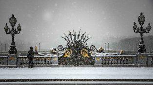París se cubre de nieve