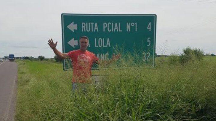 Batistuta subió a las redes sociales una foto en la ruta nacional 11.