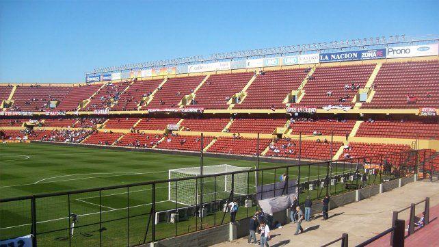 El partido entre Colón y San Lorenzo se iba a jugar en el Brigadier López de la capital provincial.