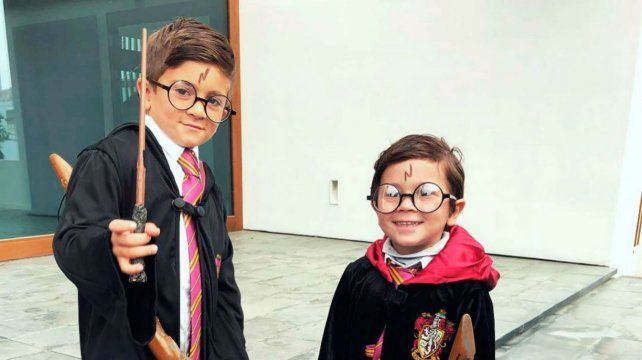 Thiago y Mateo se disfrazaron del joven mago.