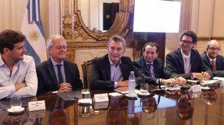 Macri: Poner un impuesto nuevo todos los días nos corta las piernas
