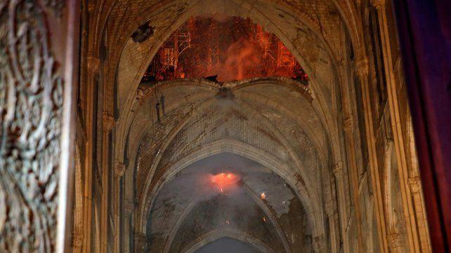 Revelan las primeras imágenes del interior de Notre Dame