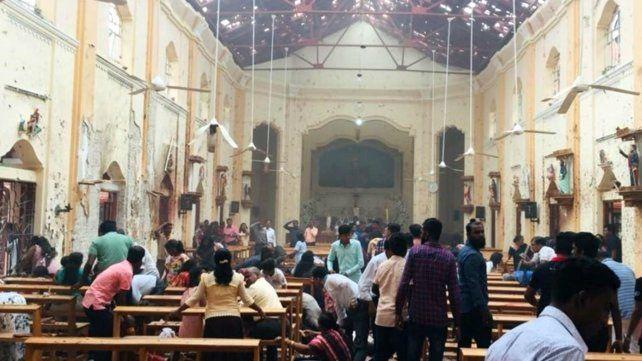 Ocho explosiones dejan al menos 200 muertos en Sri Lanka