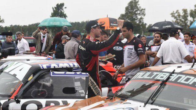 El autódromo de Rosario vivió una fiesta y Rossi se impuso en el Turismo Carretera