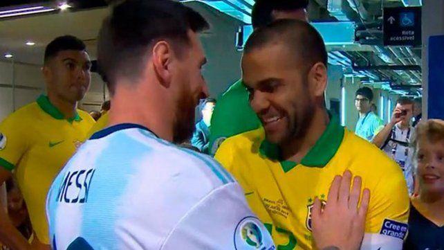 El conmovedor mensaje que Dani Alves le dedicó a Messi
