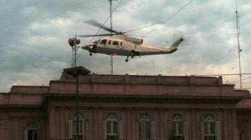 el dia que de la rua renuncio y dejo la casa rosada en helicoptero