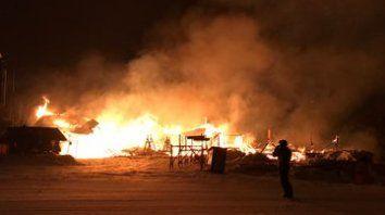 un incendio destruyo la confiteria del cerro chapelco