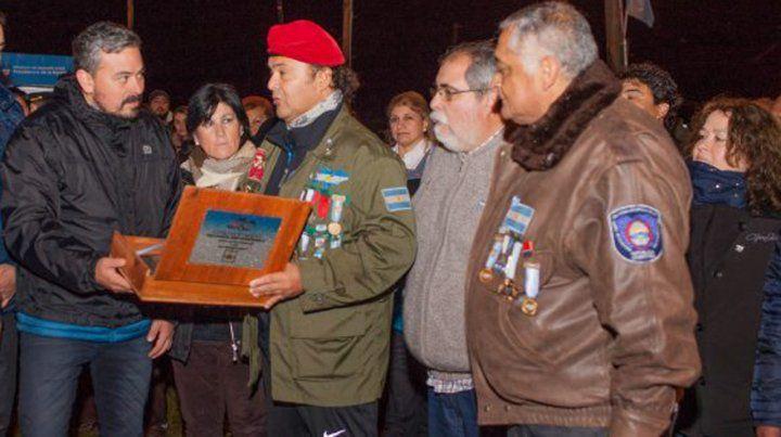 Osvaldo Hillar en un acto por la conmemoración en el día del Veterano y de los Caídos en la guerra de Malvinas.