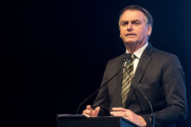 Bolsonaro dice que los argentinos pueden huir a Brasil si gana Fernández