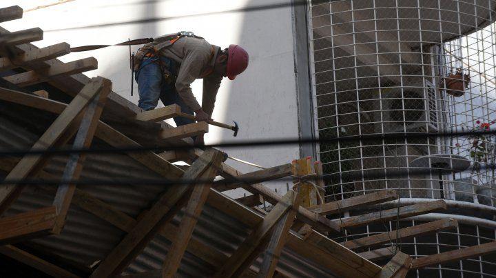 Indec: la construcción cayó 5,9% y la industria 6,4%