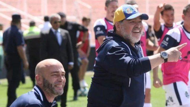 Gimnasia goleó al Tomba en el primer triunfo de Maradona como DT